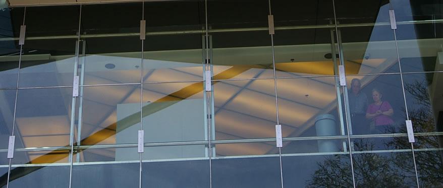 Shopping Recoleta Mall. Frente de vidrio.